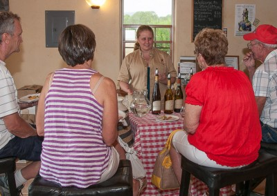 Stephanie Helleckson describing Stone Cottage wines